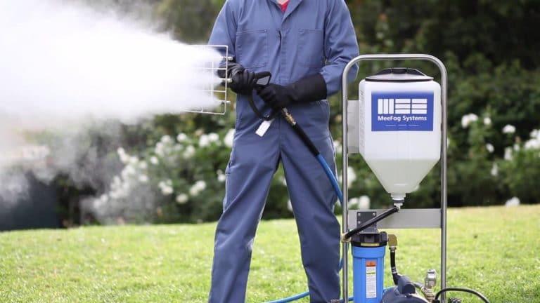 Trigger pull sprayer